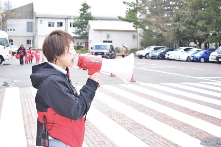 灰田さち氏